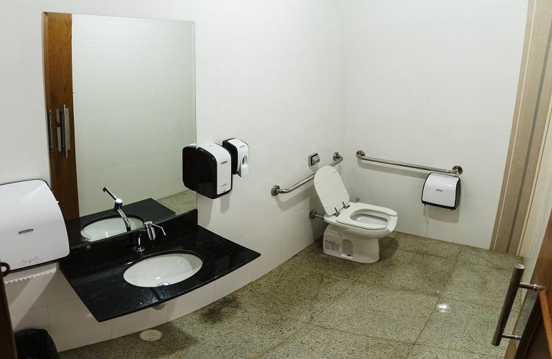 Acomodações  Belém Soft Hotel -> Banheiro Pne Com Banheira